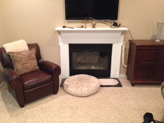 One Bedroom in safe & conveniently located home - Atlanta - Huis