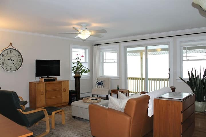 Acadia Park Crossroads Condo #2, beach, hiking, shopping