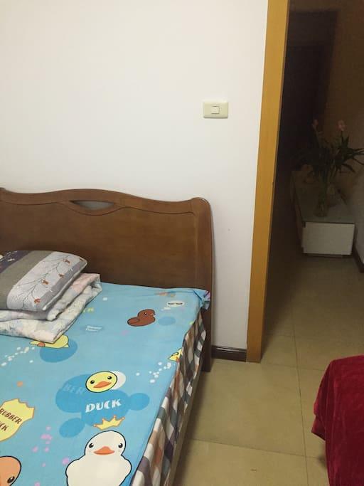 独立房间,wifi    ,卫生间,,还有主人的爱心早餐,,,交通方便