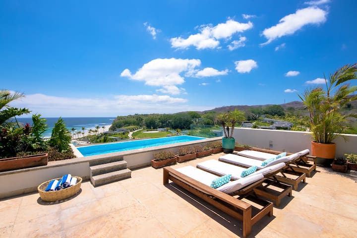 PUNTA MITA BEACHFRONT LUXURY PENTHOUSE