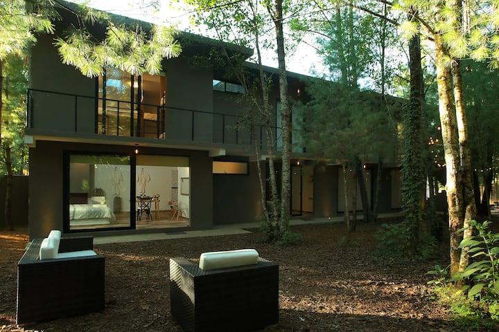 Hermosa Habitación Nupcial en medio del Bosque