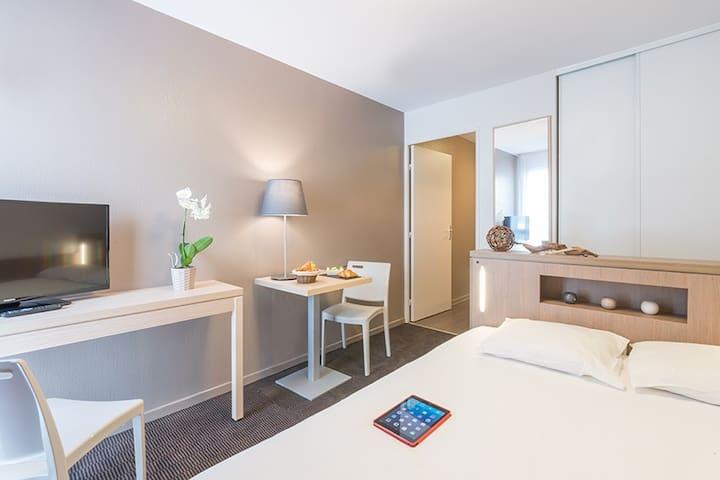 Studio Double 20m² Nantes Quai de Loire ***