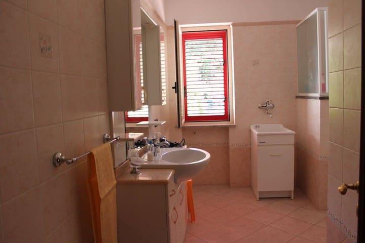 Trilocale in appartamento Locri ( RC )