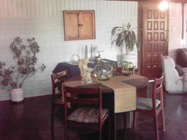 Dormitorio, ambiente familiar Valle de los Chillos