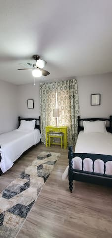 Our guest bedroom with Twin beds