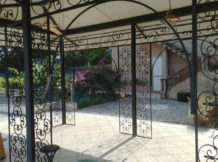 Villa Gazebo