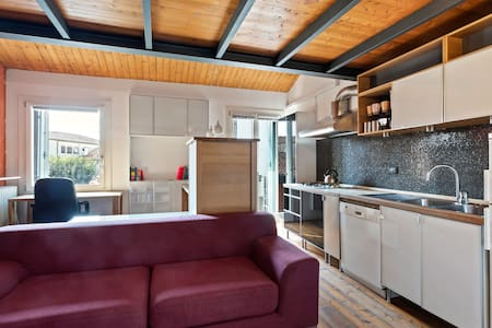 Central mini loft with WIFI!