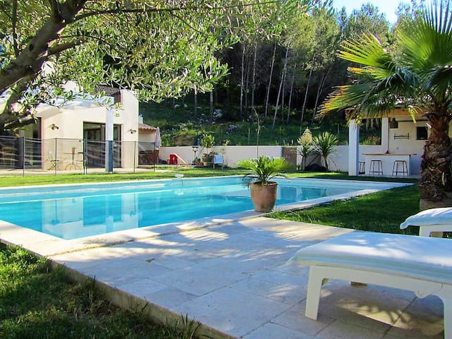 HOME IN NATURE WITH POOL - 5 BEDROOMS - Grabels