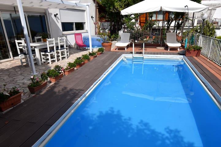 Villa Asia, Charming Garden Villa  &  pool