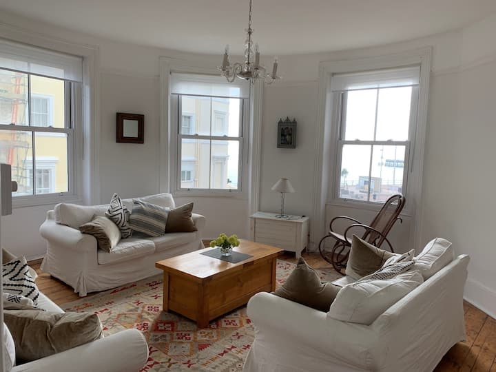 New! Hastings seafront apartment
