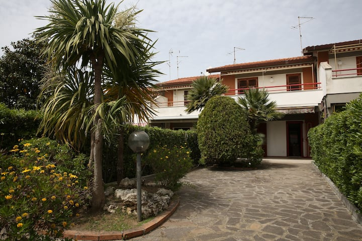 Villa ad Anzio(località Cincinnato)