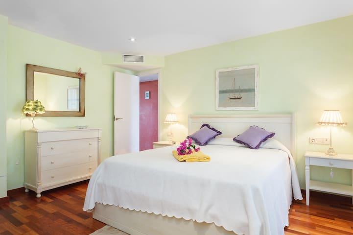 Bedroom Suite  - Double bed