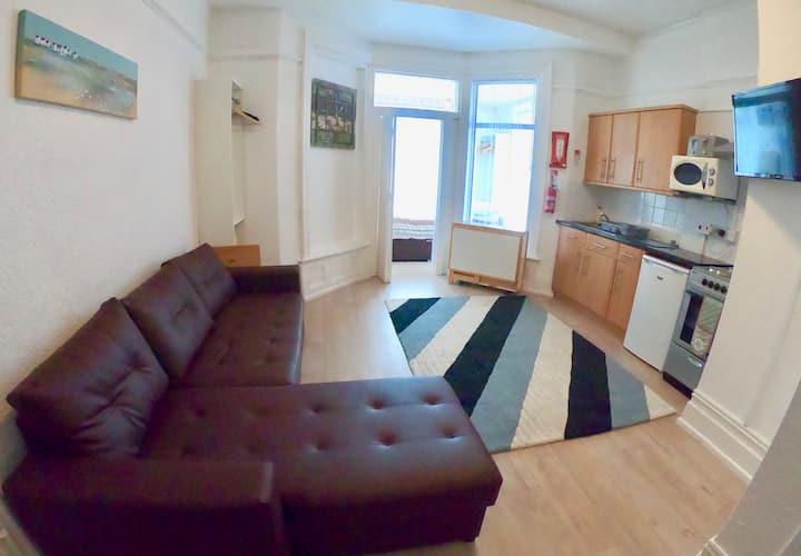 Cozy apartment in fashionable North Shore