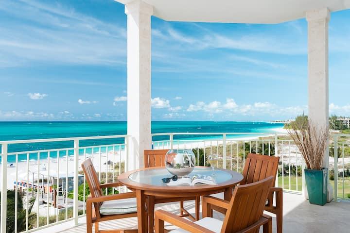 West Bay Club Oceanfront Luxury 4 Bedroom Suite