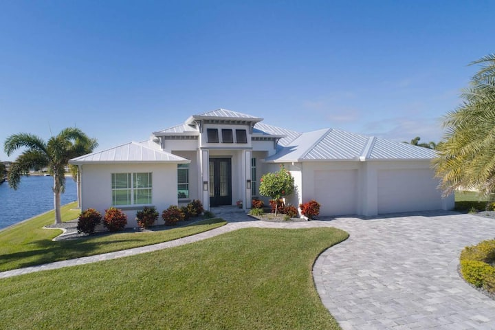 Wischis Florida Vacation Home - Sea Pearl in Cape Coral