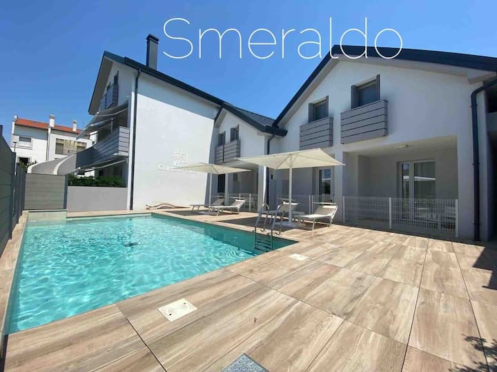 JESOLO, VILLA SMERALDO HEATED POOL, PETS WELCOME