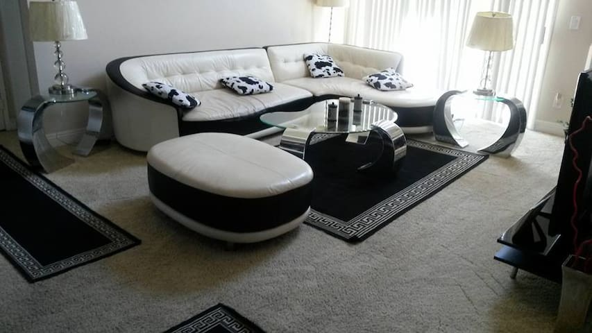 LAX Goodness Apartment private bedroom & bathroom