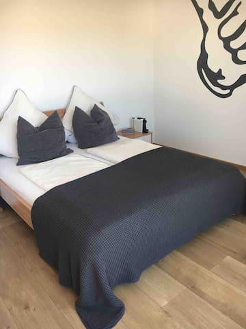 Traum Zimmer mit privatem Bad und privatem Balkon