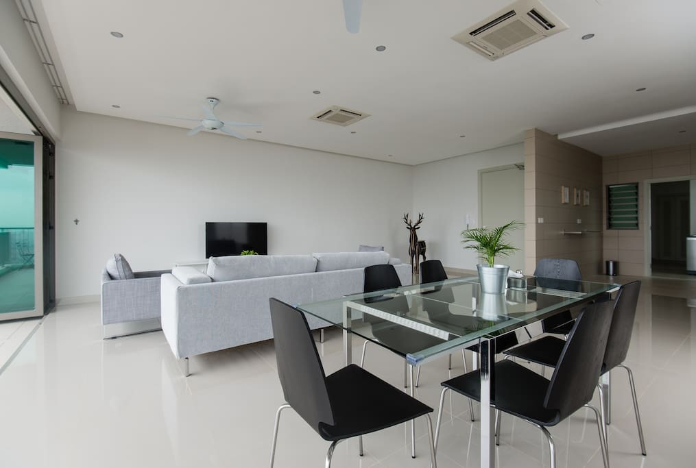 Living and dinning area.