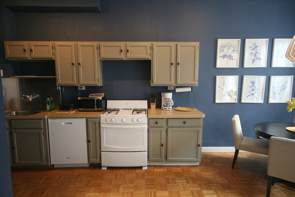 Kitchen (incl. coffee maker, electric kettle, toaster oven)