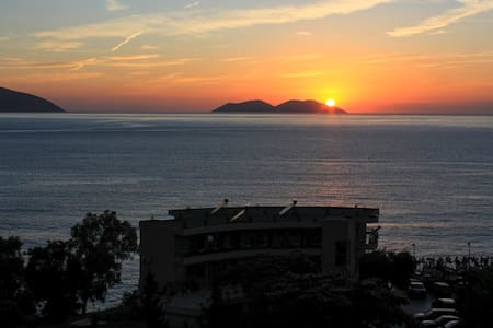 Stunning Sea View Beach Side Apartment in Vlore - Vlorë - 公寓