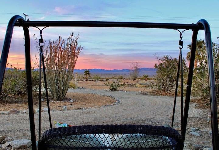Quiet Casita ⭐️ 360 views• hot tub • Unique Getaway