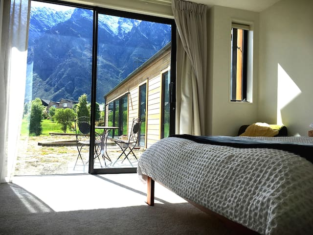 Remarkable view double room with private bathroom