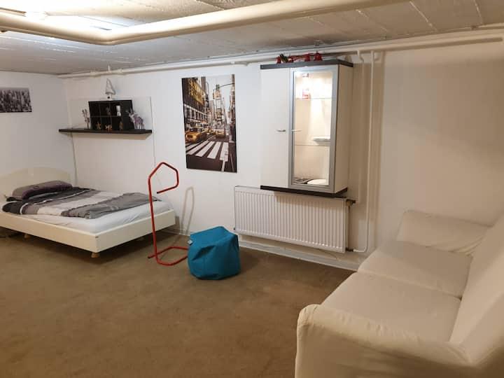 Gästezimmer für drei Personen TV,Chromesat,Kabine