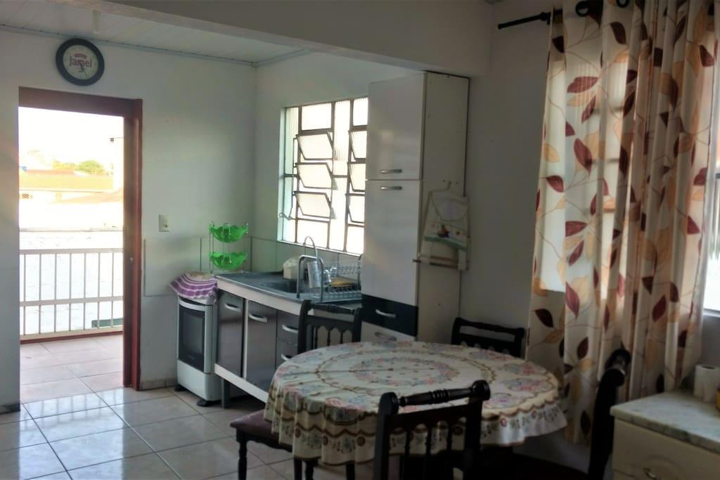 Cozinha e sala conjugada
