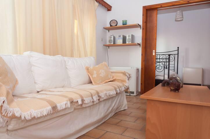 Cozy little house in Ioulida - Kea