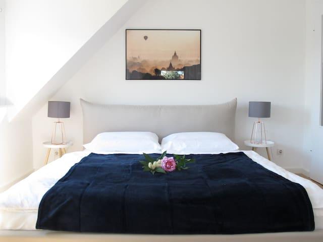 Gemütliches Apartment, Neu Renoviert, Hell & Ruhig