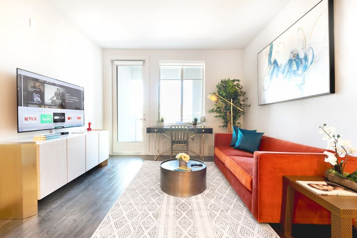 TRIBE ❤️ New, Immaculate, Stylish 2BR @ Great Mall