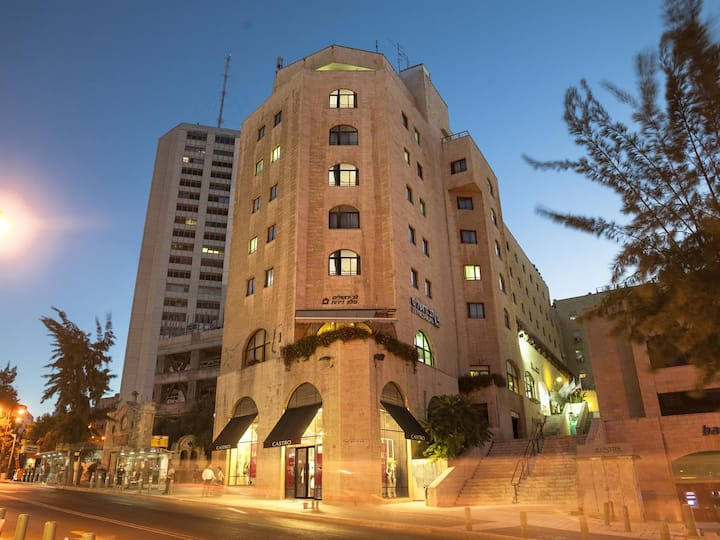 lev yerushalyim suits hotel