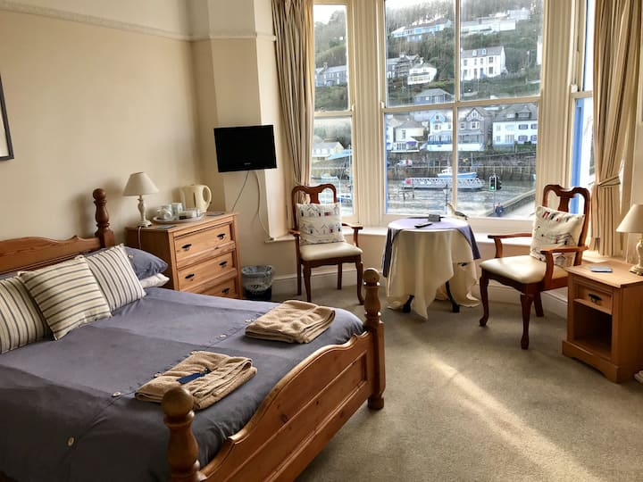 Family room with a view in Bed and Breakfast, Looe