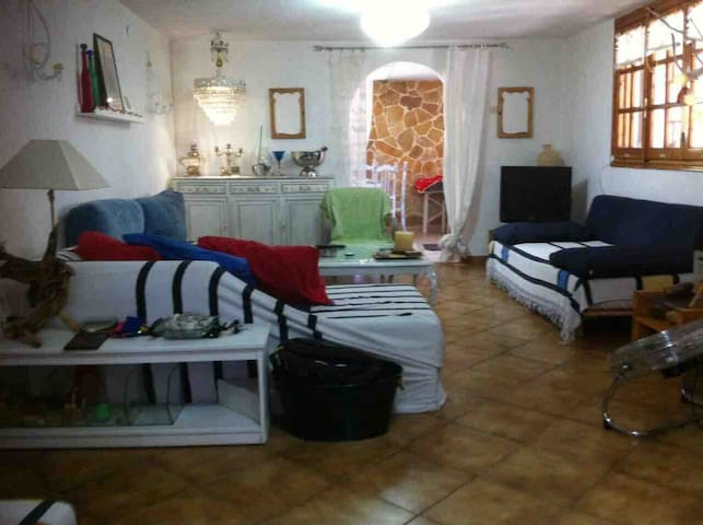 House 130 sqm 15 min from the beach