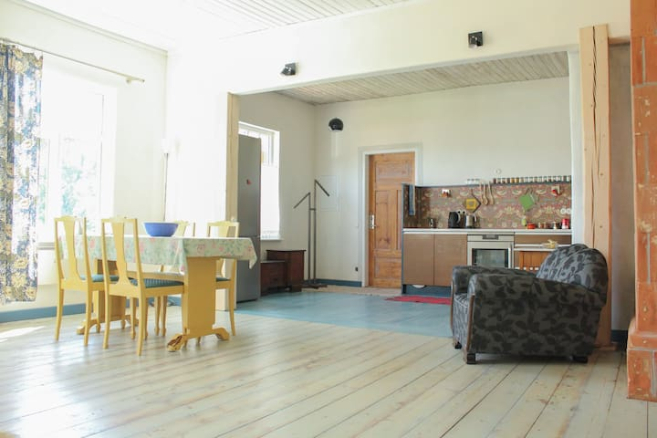 84 m2 family friendly 2 bedroom apartment - Viljandi - Departamento