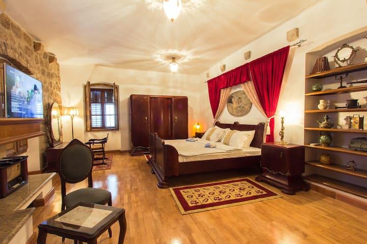 PALAZZO DRUSKO Duke's Room