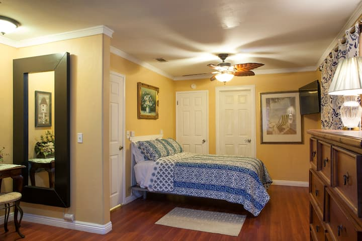 Master Suite, Private Bedroom/Bath/ own entry.