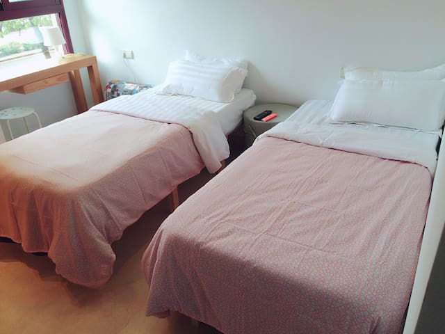 For2 (parking+wifi) - València - Bed & Breakfast