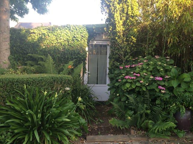 Votre petite maison au jardin - Le Relecq-Kerhuon