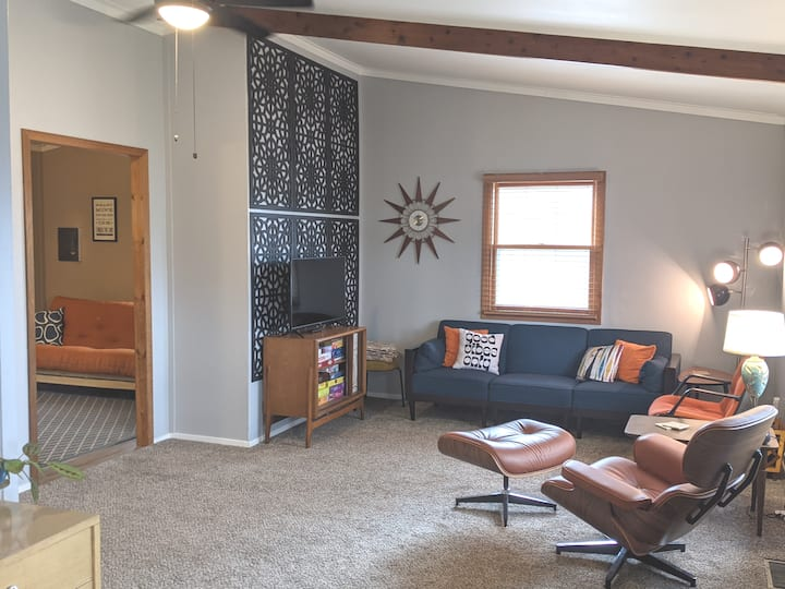 Mid Century Retro Retreat in Central Sioux Falls