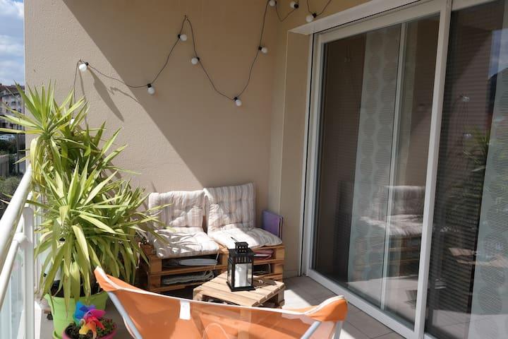 Appart T2 neuf, terrasse sud. - Millau - Leilighet