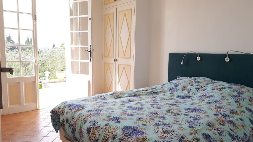 Nice bedroom on the terrasse