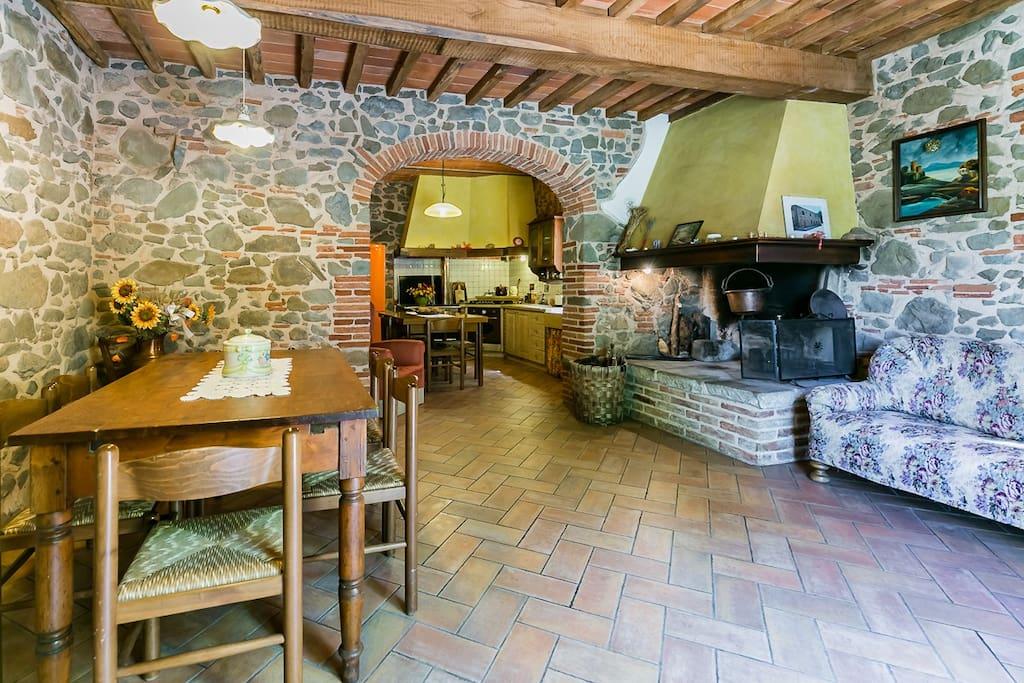 Il salone e la cucina