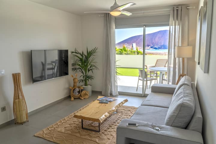 Tejita Beach  Apartment with Heated Pool
