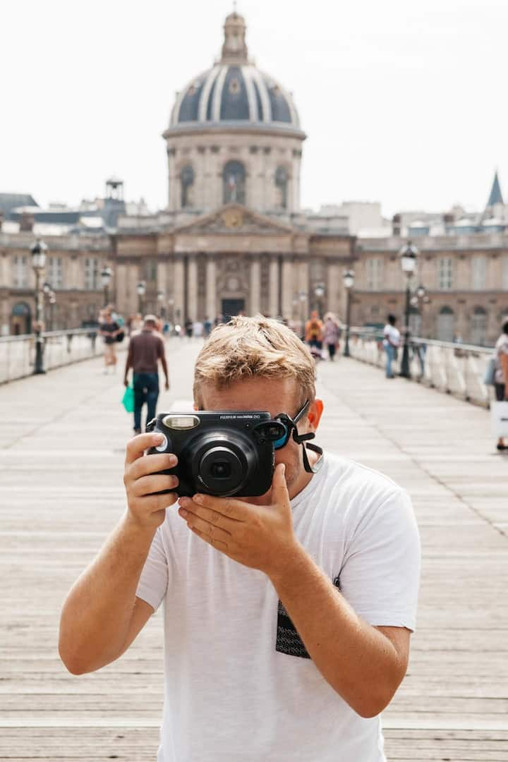 Become the photographer on this 2h tour