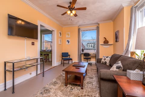 ♥The Suite Retreat Downtown York | WiFi | Parking♥