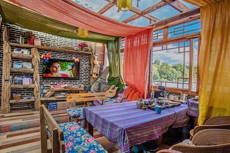 大研古城三毛家客栈--大水车店!优选房源 特色大床房 高性价比之选 - Lijiang - House