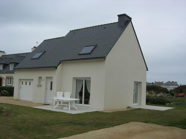 Maison Récente à 15 mn du port - Roscoff - Huis
