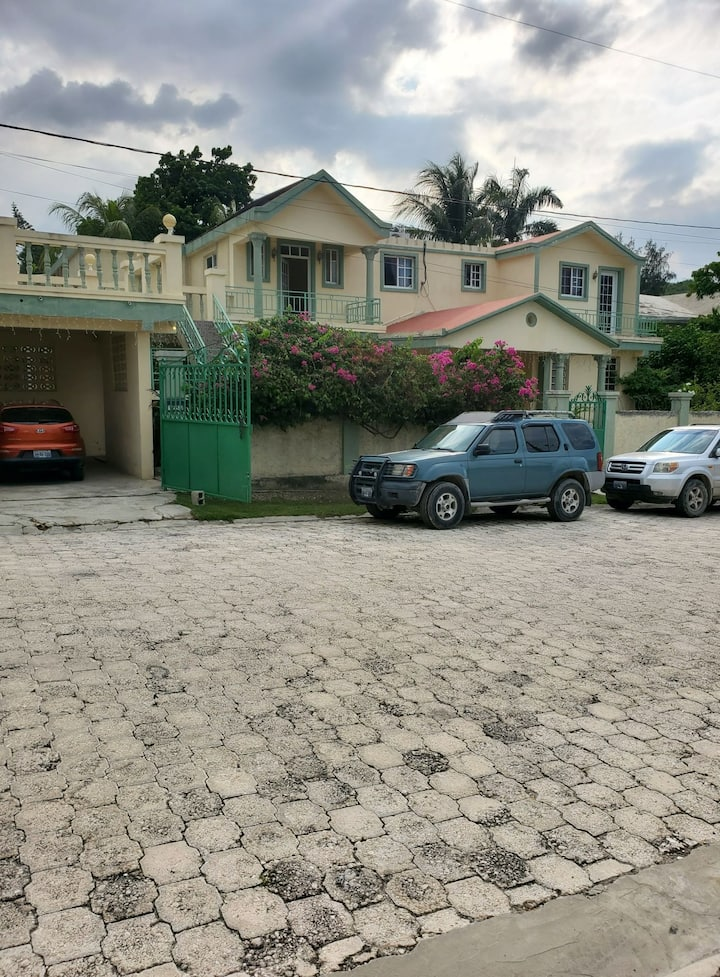 Nice guest house for rent in Haiti